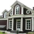 Как украсить фасад дома с помощью колонн?