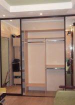 Дверь купе в кладовку фото – как сделать купейные и полукруглые двери, установка для комнаты