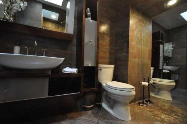 20 Luxurious Bathroom Makeovers From Our Stars: Совмещенные ванные комнаты дизайн фото маленькие